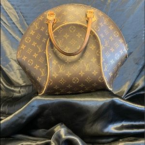 Authentic Louis Vuitton monogram PM